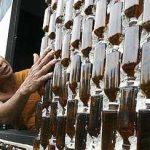 Construcciones a base de vidrio reciclado, Ejemplo de un templo Tailandés